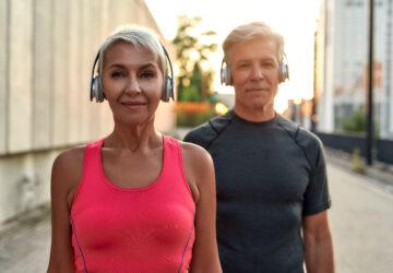 Jakie są odpowiednie ćwiczenia dla seniorów na ból kręgosłupa?